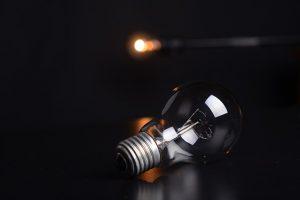 Attention à la lumière blanche dans un labo NB